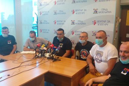 SPREMNI DA IZAĐU NA ULICE Veterani poručili da su Srpsku stvarali borci
