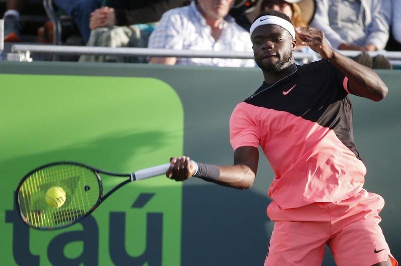Teniser pozitivan, turnir nastavljen