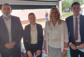 CVIJANOVIĆEVA PRUŽILA  PODRŠKU SLAVKU TEŠIĆU Adut SNSD za načelnika Pelagićeva jedan od najmlađih kandidata