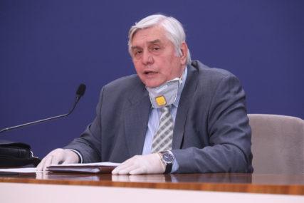 """""""MASKE SE MORAJU NOSITI I DOK TRAJE VAKCINACIJA"""" Dr Tiodorović otkrio do kada ćemo morati da se PRIDRŽAVAMO MJERA"""