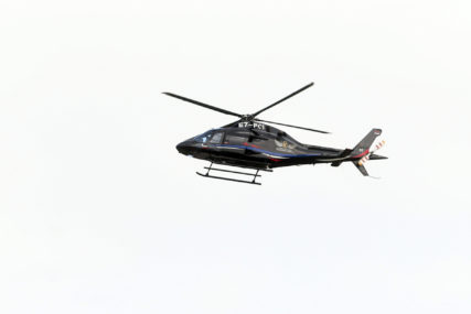 Dvočlana posada uspjela da izađe: Vojni helikopter prinudno sletio