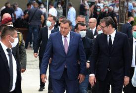 """""""BRUKAJU NAS PRED SVIJETOM"""" Analitičari o javnim nastupima Dodika, Milanovića i Vučića"""