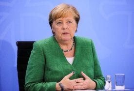 ODLUKA MERKELOVE Berlin želi da primi 1.500 migranata iz Grčke