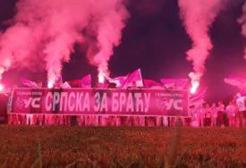 """""""SA VAMA SMO"""" Ujedinjena Srpska bakljadom podržala Srbe u Crnoj Gori (VIDEO)"""