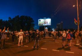 DRAMATIČNO ŠIROM BJELORUSIJE U protestima jedna osoba poginula, 120 uhapšeno