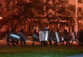 NA POMOLU NOVI HAOS U BJELORUSIJI Interventne jedinice i vojska krenuli ka centru Minska (VIDEO)