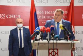"""DODIK NAKON SASTANKA SA ĐOKIĆEM """"SNSD i SP ostaju u koaliciji"""""""