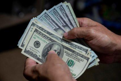 BEZOS U NOVIM INVESTICIJAMA Najbogatiji čovjek na svijetu PONOVO PRODAO AKCIJE