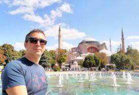 """""""ZANIJEMI SE NA ULAZU, ALI ZBOG KNEDLE U GRLU"""" Dragan je među prvima posjetio Aja Sofiju od kad je postala džamija"""