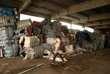 OTPAD ČAMI ČEKAJUĆI Rokovi prošli, italijansko smeće i dalje guši Drvar, a razlog je BIZARAN (FOTO, VIDEO)