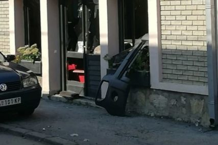 Ispred porodične kuće DŽIP ODLETIO U VAZDUH: Eksplodirao automobil SVJEDOKA PROTIV ŠARIĆA