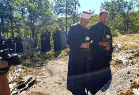 POTEZ ZA PRIMJER Episkop i muftija zajedno posjetili mjesta stradanja Srba i Bošnjaka