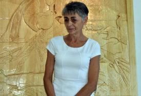 O ZANATU MNOGO NAUČILA U SIRIJI Izložba ikona u duborezu otvorena u Mrkonjić Gradu
