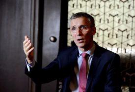 """""""NAŠA MISIJA SE NASTAVLJA"""" Stoltenberg tvrdi da NATO nema ništa protiv što se Vojska Srbije oprema"""