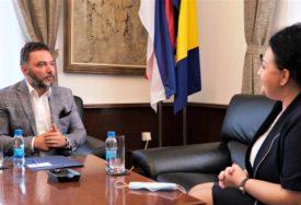 """""""PRIVUĆI STRANE INVESTITORE"""" Košarac i Markovićeva o stvaranju povoljnog poslovnog okruženja"""