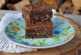 NE MOŽE BITI GREŠKE Brzinski kolač sa čokoladom i orasima idealan za sve prilike