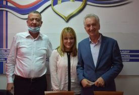 """""""VRIJEME JE DA ŽENA DOĐE NA ČELO"""" Maja Dragojević Stojić kandidat SDS za gradonačelnika Prijedora"""