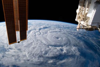 JOŠ TRAŽE RJEŠENJE Curi kiseonik iz Međunarodne svemirske stanice, astronauti prešli u ruski modul