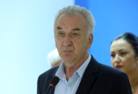 """""""Veliki gubitak za srpski narod"""" Šarović uputio saučešće povodom smrti vladike Atanasija"""