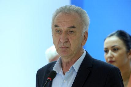 ZA ŠAROVIĆA NISU GLASALE NI KOMŠIJE Poraz SDS u opštini u kojoj živi predsjednik stranke
