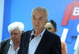 DO KANDIDATA U FINIŠU Šarović: Na listi SDS u Doboju pokušali su da mi PODMETNU članove SNSD