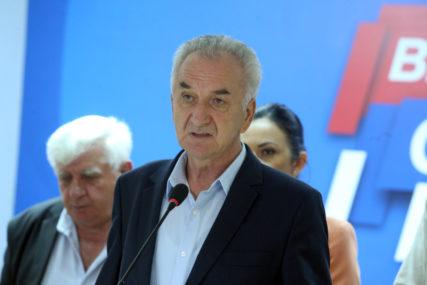 """Šarović čestitao izbor novog patrijarha """"Da pravoslavlje bude još jače ukorijenjeno u srpskom narodu"""""""