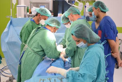 PACIJENTI SE OSJEĆAJU ODLIČNO Izvedene dvije složene operacije u Klinici za ortopediju i traumatologiju