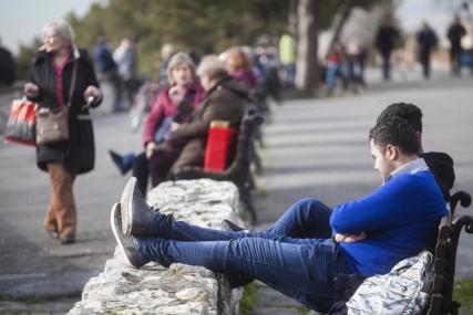 PANDEMIJA UBRZALA TREND Mladi se sve češće odlučuju za povratak kod roditelja