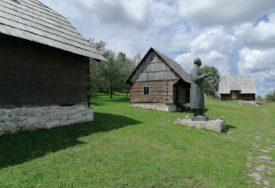 ŽIVOT I RAD ČUVENOG PISCA Izložba u Stričićima povodom 55. Kočićevog zbora