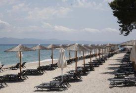 SKUPO GA KOŠTALO PUTOVANJE Uzeo pijesak sa plaže pa platio više od 1 000 EVRA