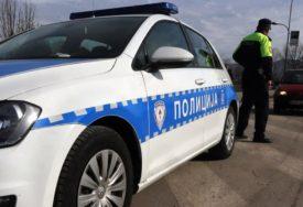 ZASTOJ ZBOG NESREĆE Zaustavljen saobraćaj na putu Rudanka-Stanari