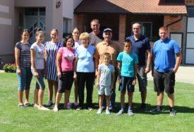ISKORISTILI BLAGODETI PODNEBLJA Uzorna porodica Đaković iz Mašića kod Nove Topole
