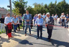 VRIJEDNOST RADOVA OKO 400.000 KM Otvoren lokalni put u Gornjoj Lamovitoj