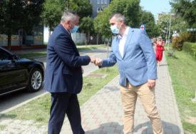 ZA MASKE I RUKAVICE 15 MILIONA KM Višković: Doći će vrijeme kada novac NEĆE ZNAČITI NIŠTA