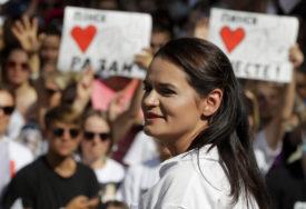 """""""NIJE IMALA IZBORA"""" Opozicija tvrdi da je Tihanovskaja primorana da ode iz zemlje"""