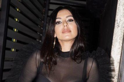 """""""DJECA NE SMIJU DA SE NASMIJU KADA ME VIDE"""" Tanja Savić kroz suze govori o PORODIČNOJ DRAMI"""