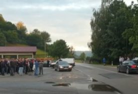 NEZADOVOLJNI ZBOG PRILIVA MIGRANATA Policija i građani u Velikoj Kladuši dežurali do dva sata iza ponoći