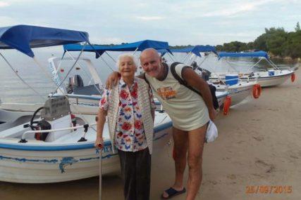 ZORAN JE SVE ODUŠEVIO Njegova majka ima 89 godina i on je VODI SA SOBOM na svako putovanje u Grčku