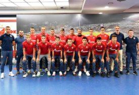 STIŽU NOVE NADE Zvezda potpisala ugovore sa 17 mladih fudbalera