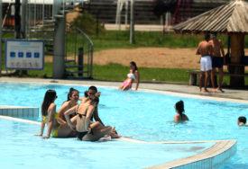 """KORONA POTOPILA SEZONU KUPANJA Zbog pandemije drastično smanjen broj posjetilaca na """"Akvani"""""""