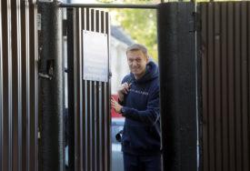 AVION SA NAVALJNIM SLETIO U BERLIN Ruski opozicionar kolabirao u četvrtak nakon što je popio čaj