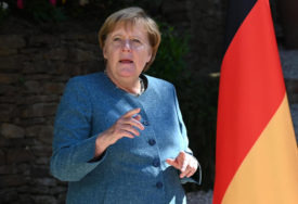 DONIJELA BI PONOVO ISTU ODLUKU Merkelova branila imigracionu politiku otvorenih granica