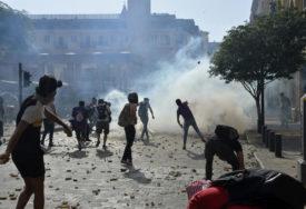 GORI BEJRUT Povrijeđeno više od 110 osoba, zapaljen PORTRET PREDSJEDNIKA (FOTO)