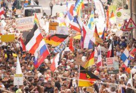 PROTIVE SE UVEDENIM MJERAMA Desetine hiljada ljudi na ulicama Berlina