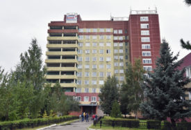 NEMA ODGOVORA O TROVANJU Navaljni ostaje u bolnici u Omsku, transport RIZIČAN PO ŽIVOT