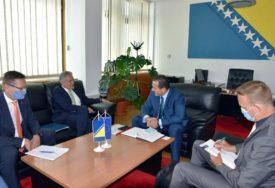 NAJAVLJEN NASTAVAK PODRŠKE EU Cikotić i Satler razgovarali o migrantskoj krizi