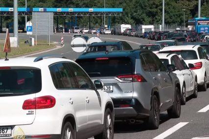 Gužve na graničnim prelazima: Na ulazu u Sloveniju na Macelju čeka se pet sati