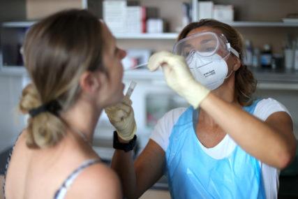 KRIVICU PREBACUJU NA KOMŠIJE Iz Slovenije tvrde da je većina zaraze korona virusom stigla iz Hrvatske