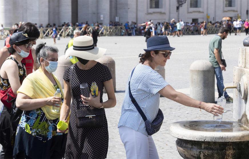 NISU NAUČILI NA GREŠKAMA U ovom italijanskom gradu više od 2.000 kazni zbog kršenja ANTIKOVID PRAVILA