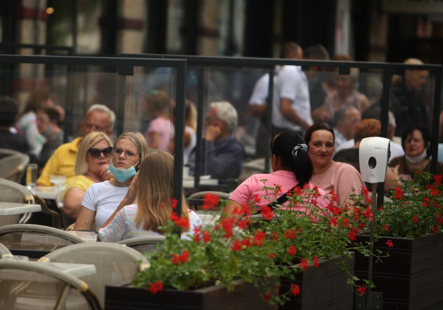 Povoljnija epidemiološka situacija u Hrvatskoj: Kafići i pekare od sutra rade do ponoći